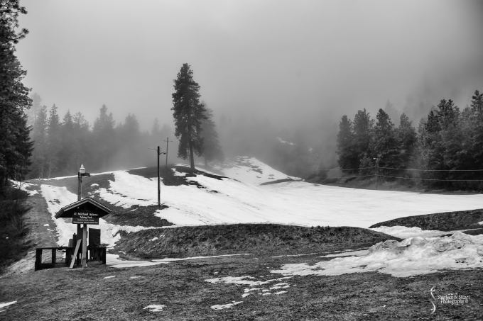 We took a drive up to the loca ski run see what it was all about.